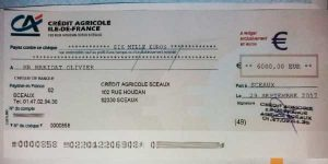 chèque de banque contrefait